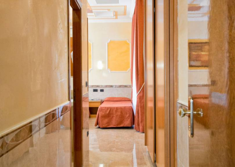 Quadruple room marco polo hotel rome