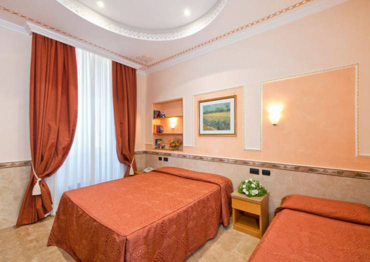 Triple room marco polo hotel rome