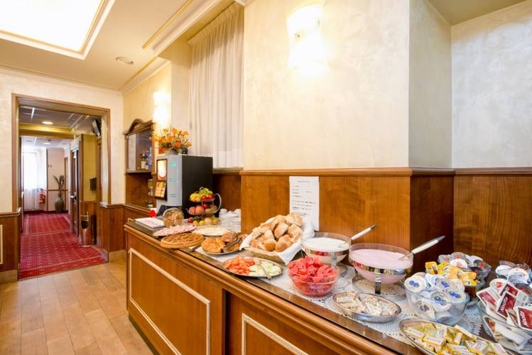 Restaurant buffet hotel marco polo roma